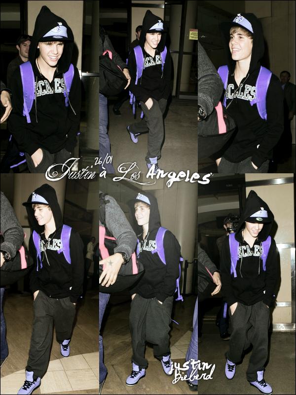 Enfin, des candids ! En effet, Justin à été vu le 26 janvier à l'aéroport de Los Angeles. TOP OU FLOP ?