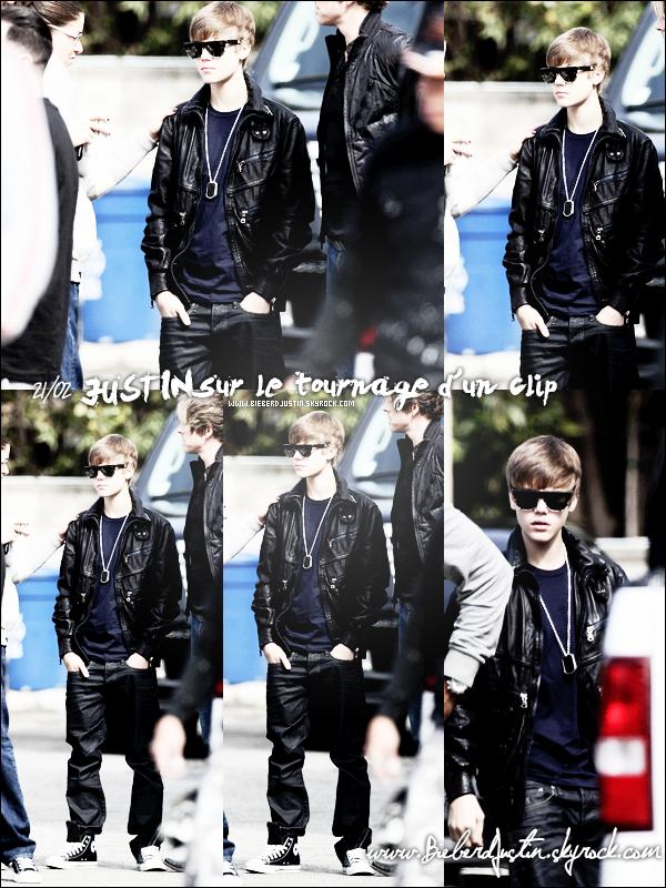 Justin assistant à un match de basket au Staples Center au côté de Rihanna le 20/02 et sur le tournage d'un clip le 21/02