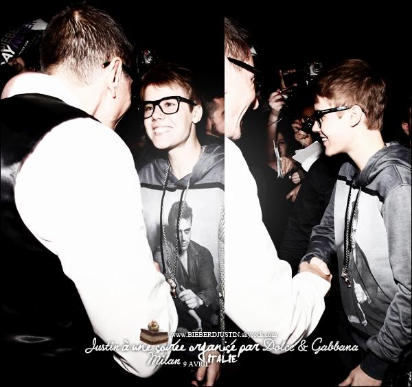 Justin à la soirée organisé par Dolce & Gabbana au Gold Restaurant à Milan, en Italie le 9 avril dernier. Tout souriant !