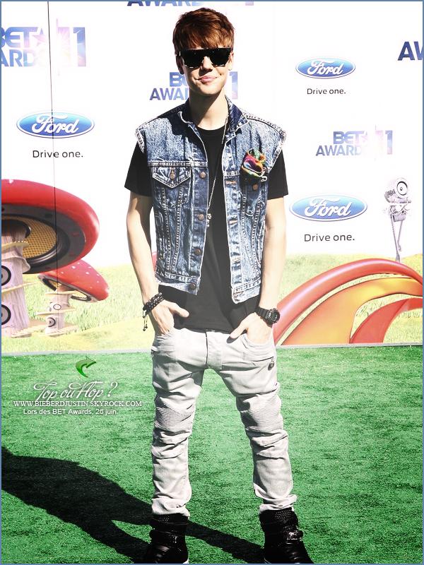 Justin était présent hier (26 juin) aux BET Awards aux Etats - Unis. TOP ou FLOP ? Donne ton avis !