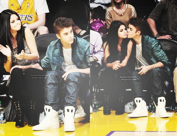 """CANDIDS - Justin a été photographié tournant une scène de son clip """"Boyfriend"""" en la présence de Selena Gomez, le 21/04"""