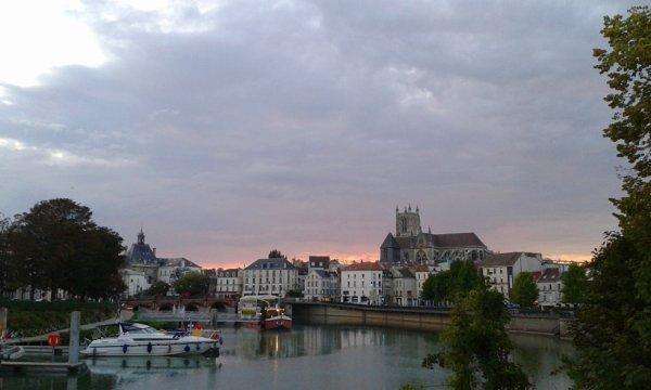 Une belle vue de la ville de MEAUX!