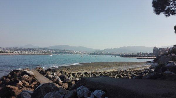 Vision du port de San Sebastian pour voussaluer et vous sauter une bonne nuit!!