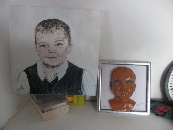 portrait de mon petit fils en acrylique et en modelage