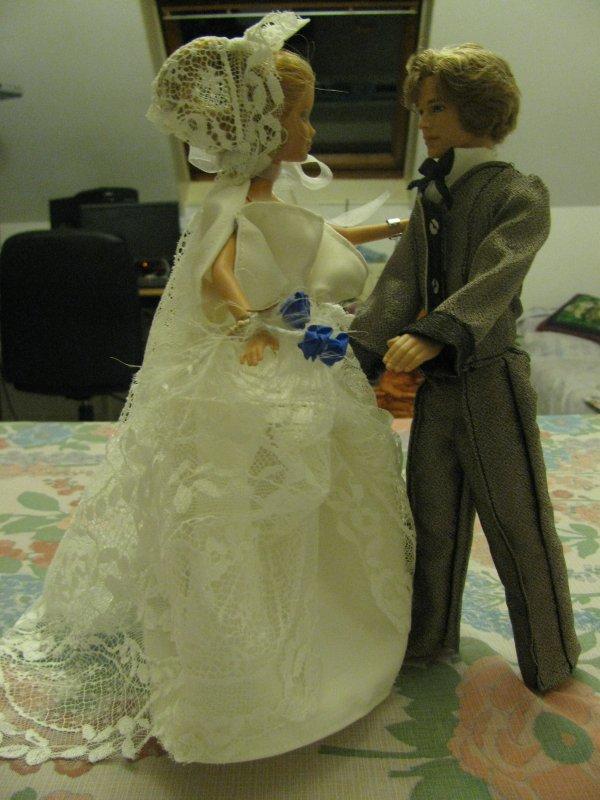 un de mes plaisirs habiller les poupées