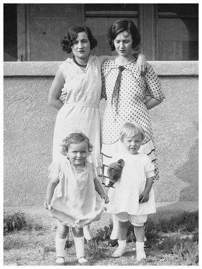 ✽ 1928 ✽ En famille ✽