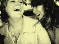 _ ... Ce sont mes amis qui m'ont fait aimer la vie ,, Ils me rendent meilleur à mesure que je les trouve meilleurs eux-mêmes ..._