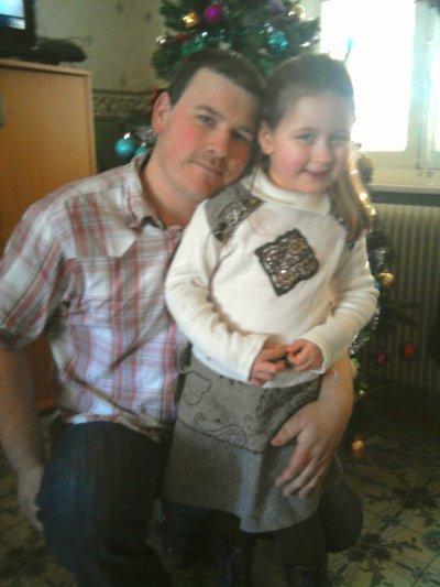 noel 2010 avec mes chéries!!!je vous adore.