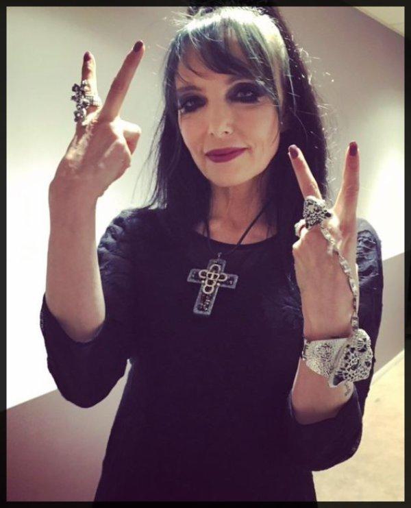 """Commentez, ICI , la prestation de JEANNE ce vendredi 04/12 dans l'émission """"LES 30 ANS de BERCY """" (TF1, 20h55)"""