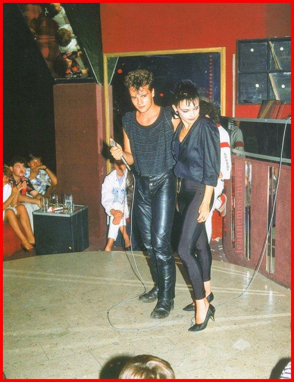 01 octobre 2007 - 01 octobre 2017 Le blog JEANNEMASENVRAI fête son 10ème anniversaire- La tournée des discothèques de Jeanne & Axel Bauer à l'été 1984 1 photo + 1 article de presse