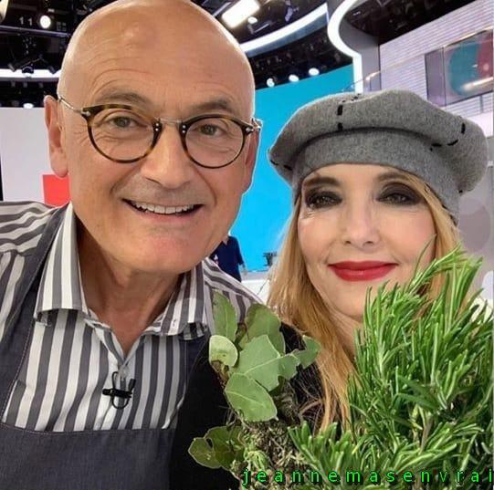 """News TV - Jeanne invitée de Sophie Davant dans """"C'est au programme"""" (21/5/19)"""