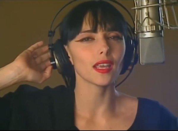 """3 documents à découvrir ou à redécouvrir... - - Jeanne en interview dans """"7 à 8"""" (TF1)- Jeanne dans un projet caritatif en 1990... + L'une des rares TV où Jeanne vient présenter  son single """"ANNA"""""""