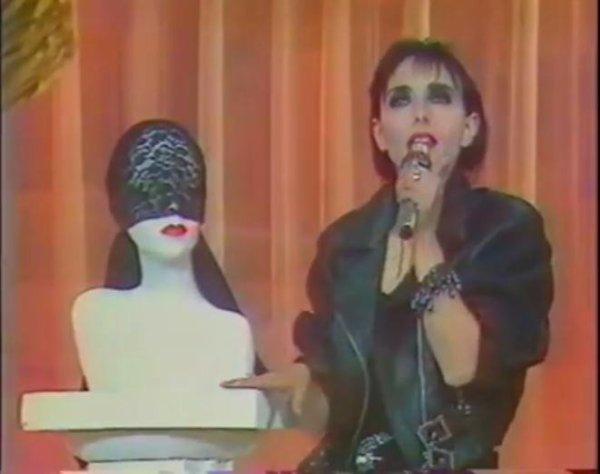 """Le titre """"Angela, l'art des femmes"""" a 30 ans ! - (Re)découvrezles principaux passages TV télés de Jeanne avec ce 2ème extrait de l'album """"L'art des femmes"""""""