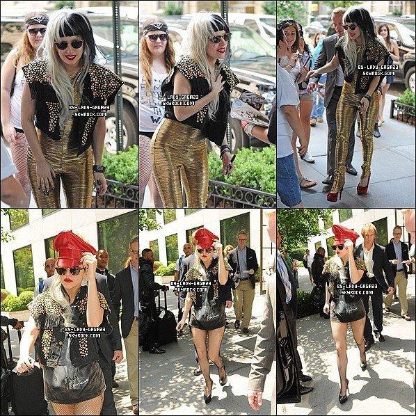 29/05/11: Gaga aperçu par ses fans en sortant de son hotel
