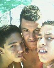 Moi Est mais amis !!!!