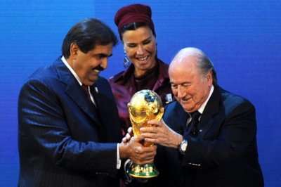 Blatter says 2022 World Cup will be in summer, no co-hosting