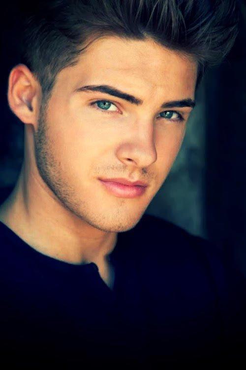 Cody Christian/ Theo Raeken