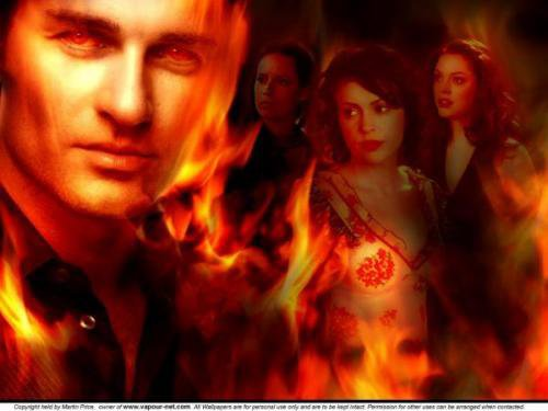 Charmed: Holly Marie Combs Alyssa Milano Rose Mcgowan and Julian Mcmahon !!
