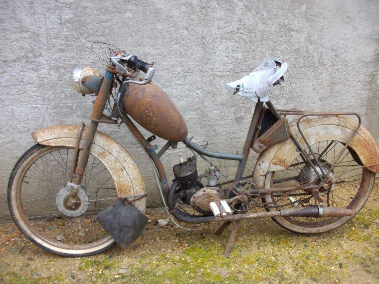 LE GITAN  cyclomoteur  type 55  de 1957