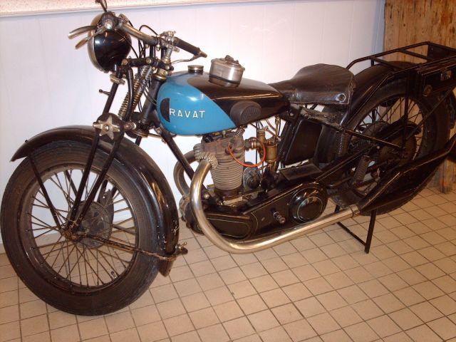 motos,cyclos ,cyclos sports,moteurs anciens et voitures miniatures