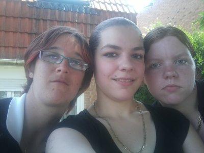 mel , ma filleule ninou et ma niece dady