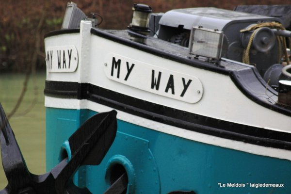"a travers le trou de l'objectif ""Le My Way""+canal de chalifert"