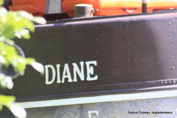 """a travers le trou de l'objectif """"  Jules verne et le Diane vers Condé Sainte Libiaire"""