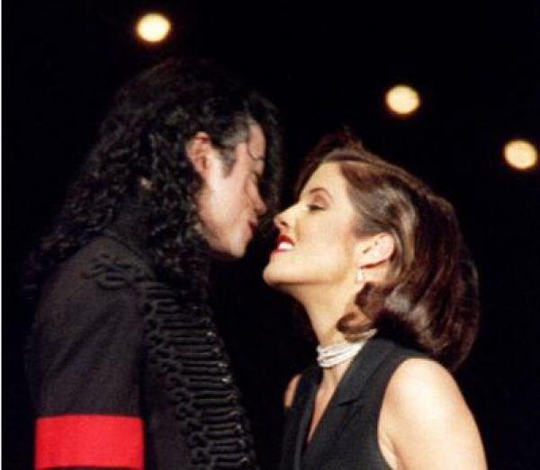 1994 ; The KISS (l)