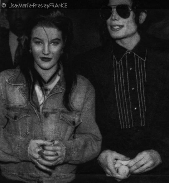 Article dédié à la relation de Michael & Lisa ( vous pensez tout savoir ? haha, lisez plutôt ça ;} ), mais avant l'amour il y a l'amitié les curieux(se) ^.^ Heehee .