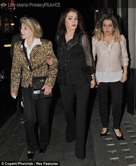 3 Juin 2011 | Lisa Marie in London .