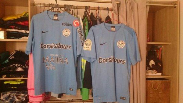 Maillot Tours Fc domicile saison 2015-16 porté par Diakité