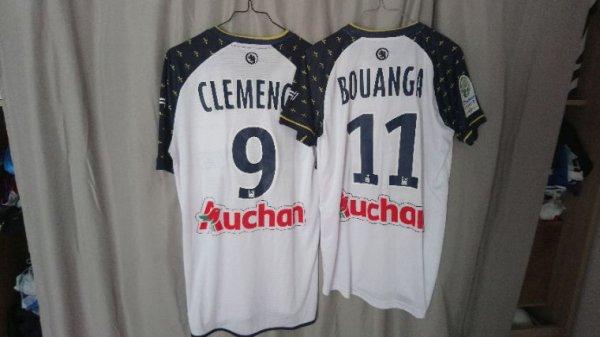 Maillot Tours Fc 2016-17 extérieur porté par S.Clemence à Valenciennes et D.Bouanga à Ajaccio