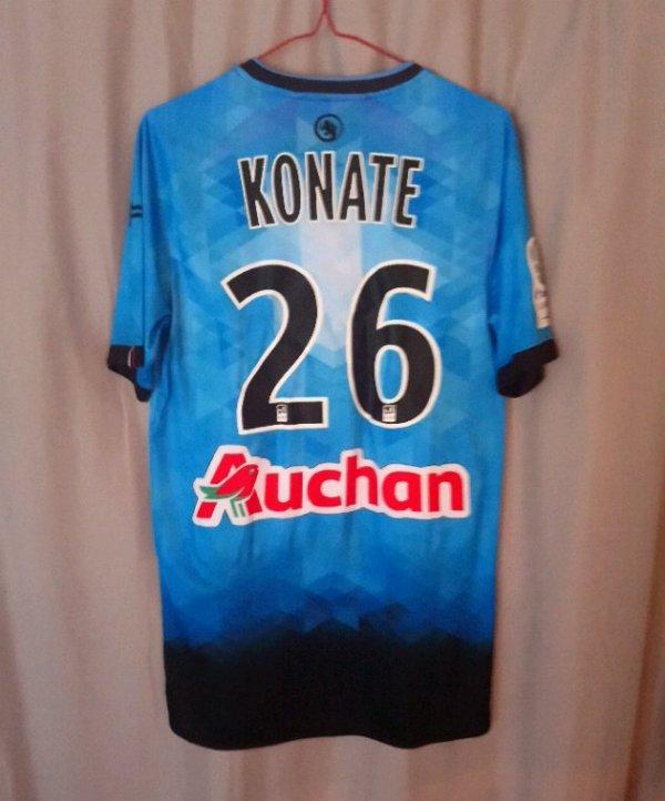 Maillot domicile saison 2016-17 Hungaria porté par D.Konaté