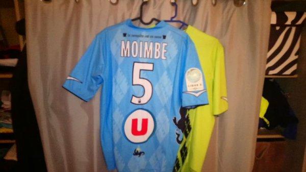 Maillot Tours Fc domicile saison 2012-13 porté par W.Moimbe