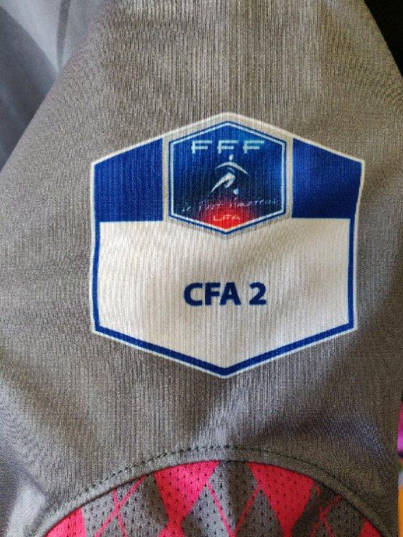 Maillot Tours FC 2 modèle extérieur de la CFA2 saison 2011/12