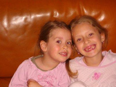 La ReLeVe <3                                                      Amandine 7ans & Juline 4 ans (l)