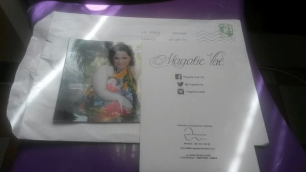 autographe de magalie vae ( star académie 5 )