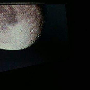 Les photo que j'ai prise de la lune,  les vidéos son sur Facebook.