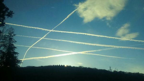 Chemtrails haarp,  futur project blue beam....