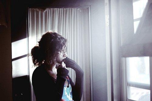 """☮ """"Chaque personne qu'on s'autorise à aimer, est quelqu'un qu'on prend le risque de perdre. """" ☮"""