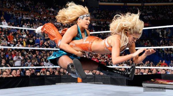 Tag Team Match Divas (2)