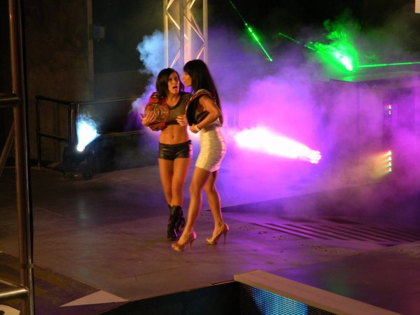 Divas & Knockout