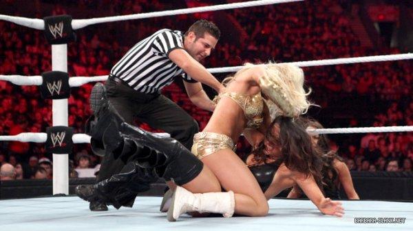 Kelly Kelly bat Nikki Bellas