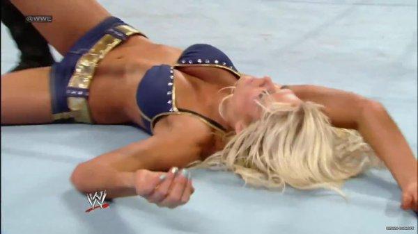 Beth Phoenix VS Kelly Kelly (beth winner)