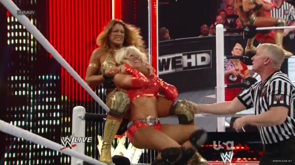 Kelly Kelly & Eve Torres