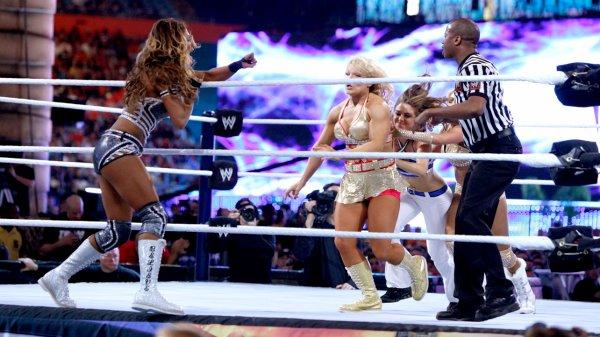 WrestleMania 28 : Kelly Kelly et Maria Menounos battent Beth Phoenix (c) et Eve Torres