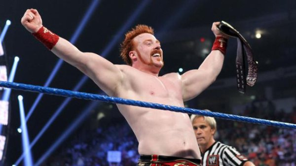 Over the Limit : Sheamus bat Chris, Randy et Alberto