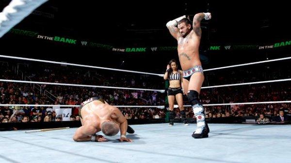 Resultats MITB: CM Punk bat Daniel Bryan (2)