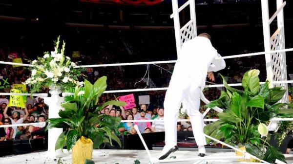 1000éme de Raw: Le mariage d'AJ & Daniel Bryan  (AJ est la nouvelle GM de RAW)