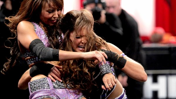 Night Of Champions 2012:  Eve Torres bat Layla (et devient la nouvelle championne)
